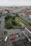 Ansicht der alten europäischen Stadt von der Höhe des Fluges des Vogels St Petersburg, Russland, Nordeuropa Stockbilder