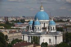 Ansicht der alten europäischen Stadt von der Höhe des Fluges des Vogels St Petersburg, Russland, Nordeuropa Lizenzfreie Stockfotos
