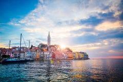 Ansicht der alten Stadt Rovinj in Kroatien, adriatisches Meer Lizenzfreie Stockfotos