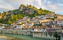 Ansicht an der alten Stadt von Berat Lizenzfreie Stockfotos