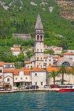 Ansicht der alten Stadt von Kirche Perast und Sankt Nikolaus montenegro Stockbilder