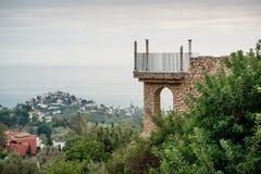 Ansicht der Aussichtsplattform und der Benalmadena-Stadt Stockfotografie