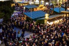 Ansicht der Band spielend in Marienplatz München lizenzfreies stockbild