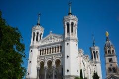 Ansicht der Basilika von Notre-Dame de Fourviere in Lyon Frankreich lizenzfreie stockbilder