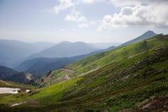 Ansicht der Berge, Landschaft, Skiort lizenzfreies stockbild