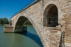 Ansicht der Bogen der ` Pont d Avignon-Brücke in Avignon Stockbild