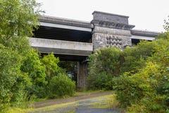 Ansicht der Britannia-Brücke von unterhalb Lizenzfreie Stockfotografie