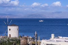 Ansicht der Bucht an Korfu-Stadt auf der griechischen Insel von Korfu stockbilder