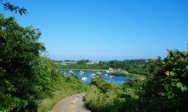 Ansicht der Bucht mit Yachten und Booten Lizenzfreies Stockbild