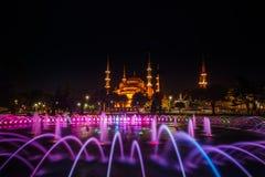 Ansicht der bunten Nachtansicht der blauen Moschee Istanbul Die Türkei Lizenzfreie Stockfotografie