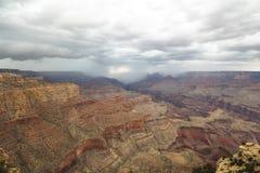 Ansicht an der Grand Canyon -Landschaft mit Gewitter Stockfotografie