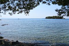 Ansicht der Insel im Meer Lizenzfreies Stockbild