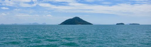 Ansicht der Insel von Ko Kam, Thailand Stockbilder