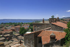 Ansicht in der italienischen Urlaubsstadt Bolsena Lizenzfreie Stockfotografie