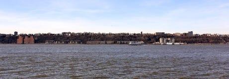 Ansicht der Jersey-Küstenlinie über dem Hudson stockfoto