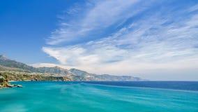 Ansicht der Küste und des Meeres in Nerja, Spanien Stockfoto