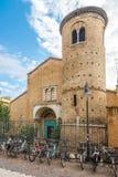 Ansicht an der Kirche des Heiligen Agata in Ravenna - Italien stockfotos