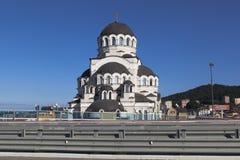 Ansicht der Kirche des Retters von der Landstraße A-147 in Sochi Lizenzfreie Stockfotografie