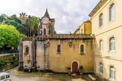 Ansicht an der Kirche unserer Dame Populace in Caldas de Rainha - Portugal lizenzfreie stockfotografie