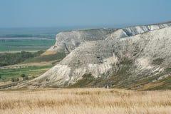 Ansicht der Kreideberge im Don River-Tal, Donskoy-Park Lizenzfreies Stockfoto