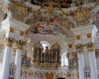 Ansicht der Kunst auf dem Innenraum der Pilgerfahrt-Kirche von Wies in Steingaden, Weilheim-Schongaubezirk, Bayern, Deutschland Lizenzfreie Stockbilder