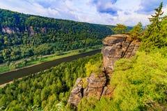Ansicht der Landschaft auf dem Fluss Elbe an der Aussicht Belveder Lizenzfreies Stockfoto