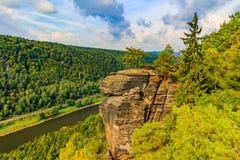 Ansicht der Landschaft auf dem Fluss Elbe an der Aussicht Belveder Lizenzfreies Stockbild