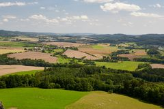 Ansicht der Landschaft vom Schloss Trosky Stockfotos