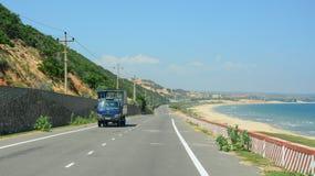 Ansicht der Landstraße von Nha Trang zu Dalat Lizenzfreie Stockfotos