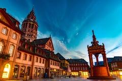 Ansicht der Mainz-Kathedrale und Markt quadrieren Lizenzfreie Stockfotografie