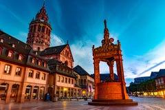 Ansicht der Mainz-Kathedrale und Markt quadrieren Lizenzfreie Stockfotos