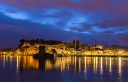 Ansicht der mittelalterlichen Stadt Avignon am Morgen, UNESCO-Welterbe Stockfotos