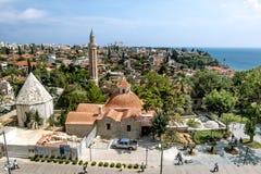 Ansicht der Moschee in der alten Stadt von Kaleici in Antalya stockbilder