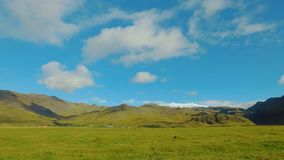 Ansicht der Nachbarschaft des Vulkans Eyjafjallajokull im sonnigen Wetter, Panorama stock footage