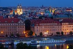 Ansicht der Nacht Prag stockbilder