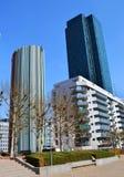 Ansicht der Promenade im Bezirk der La-Verteidigung in Paris stockbilder