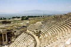 Ansicht der Ruinen der alten Stadt von Hierapolis lizenzfreie stockfotografie