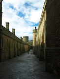 Ansicht der Schlosswand an einem sonnigen Tag lizenzfreie stockfotos