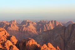 Ansicht der Sinai-Berge an der Dämmerung Stockfotografie