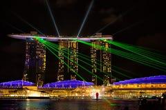 Ansicht der Spektren beleuchten und Wassershow lizenzfreies stockfoto