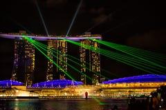 Ansicht der Spektren beleuchten und Wassershow lizenzfreie stockfotos