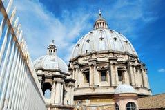 Ansicht der Spitze von St. Peter Basilica überdachen am 31. Mai 2014 Stockbild