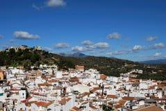 Ansicht der Stadt und des Schlosses, Monda, Spanien. Stockfoto