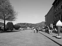 Ansicht der Stadt von Como in Schwarzweiss Stockbild