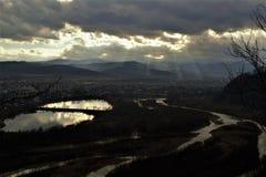 Ansicht der Stadt von einer Höhe Stockbild