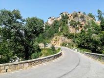 Ansicht der Stadt von Fuente de la Reina von der Straße lizenzfreie stockfotografie