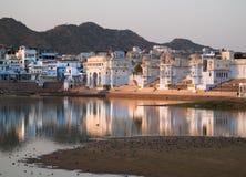 Ansicht der Stadt von Pushkar lizenzfreies stockbild