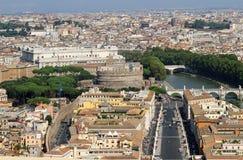 Ansicht der Stadt von Rom mit Castel Sant Angelo Stockbild