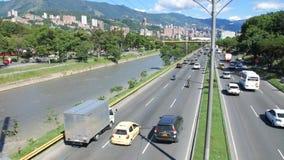 Ansicht der Stadtlandstraße in Medellin Kolumbien stock video footage