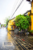 Ansicht der Straße in alter Stadt Hoi Ans, Vietnam Lizenzfreies Stockfoto